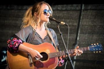 Margo Price estrena nuevo tema Letting Me Down, como adelanto de su próximo disco. Cusica Plus.