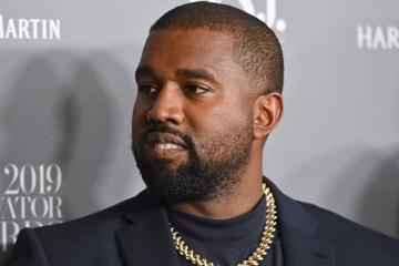 Kanye West estrena canción en Twitter, junto a su madre. Cusica Plus.