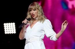 'Folklore' de Taylor Swift, se convirtió en el disco más vendido del año, por ahora. Cusica Plus.