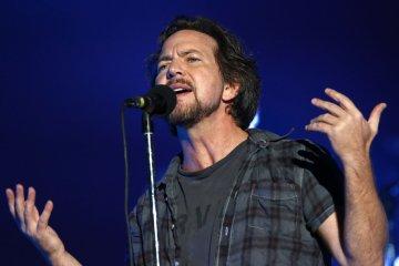 Escucha 'Cartography', el nuevo tema de Eddie Vedder. Cusica Plus.