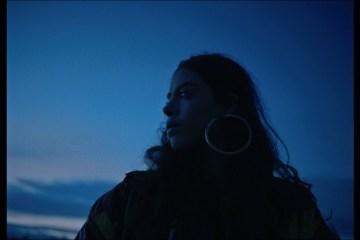 Silvana Estrada comparte versión en español de 'Forever' de Chvrches. Cusica Plus.