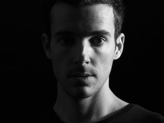 UNER welcomes Mark Alow to his Solar Distance imprint for his 'Nebula' EP