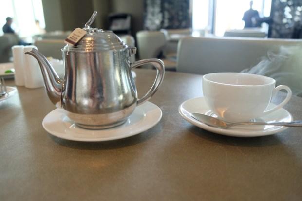 ホテルパノラマバイロンバス_クラブロンバスの朝食_38F_紅茶