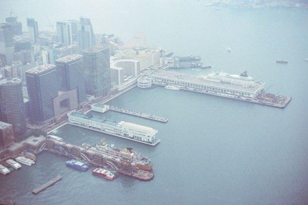 Olympus_OM-1_×_Kodak_SUPERGOLD400_in香港_ICC_SKY100_ハーバーシティ