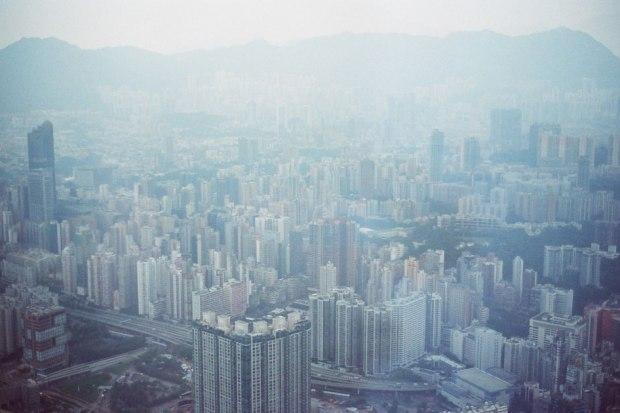 Olympus_OM-1_×_Kodak_SUPERGOLD400_in香港_ICC_SKY100_ビル高い