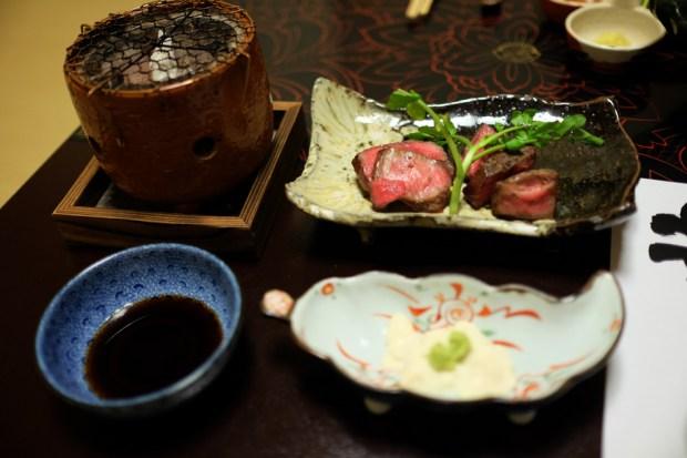坐忘庵(ざぼうあん)夕食_国産牛の石焼き