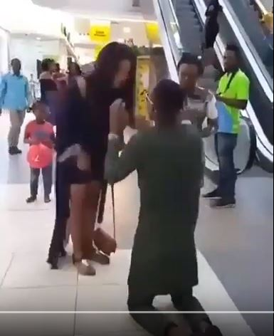 Lady Turns Down Boyfriend's Proposal With Hot Slap At Lagos Mall (Watch Video)