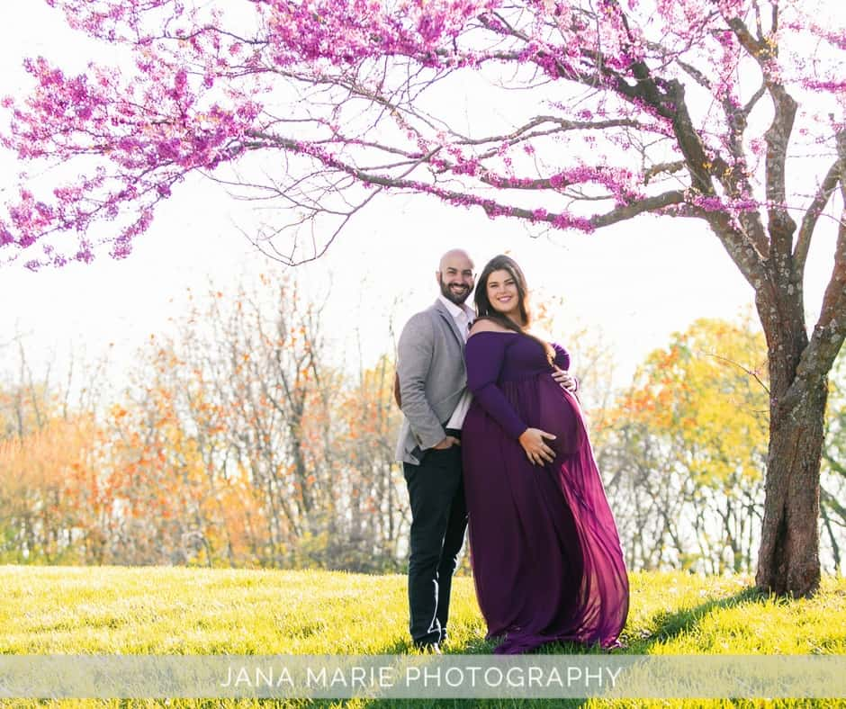 plus-size-pregnancy-with-husband-1