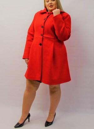Παλτό μεγάλα μεγέθη με γιακά κόκκινο με τσέπες και κουμπιά