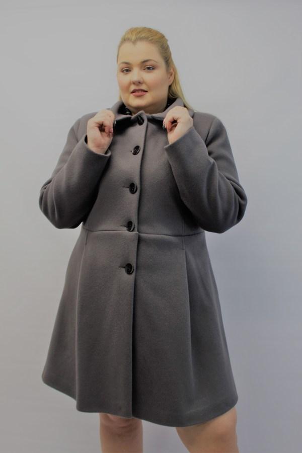 Παλτό μεγάλα μεγέθη με γιακά γκρι με τσέπες και κουμπιά