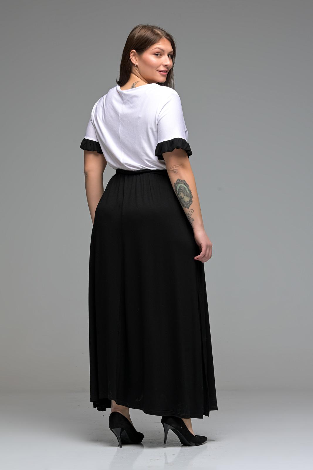 Φόρεμα μεγάλα μεγέθη maxi άσπρο/μαύρο με ζωνάκι και φραμπαλά μανίκια. Στο eshop μας θα βρείτε οικονομικά γυναίκεια ρούχα σε μεγάλα μεγέθη και υπερμεγέθη.