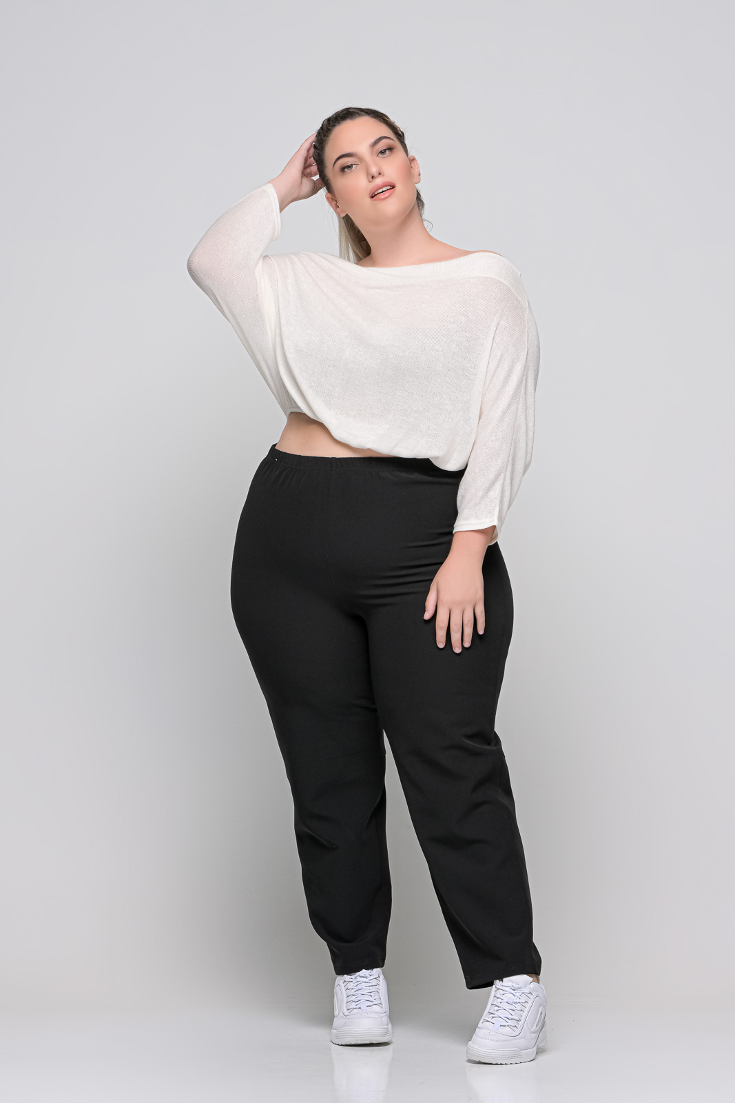 Ανορθωτικό παντελόνι μεγάλα μεγέθη μάυρο με λάστιχο στη μέση. Στο eshop μας θα βρείτε οικονομικά γυναίκεια ρούχα σε μεγάλα μεγέθη και υπερμεγέθη.
