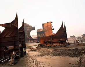 burtinsky : épaves de cargos démantelées sur les plages africaines