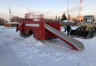2-ая жизнь канадского грузовика в Рф (3 фото)