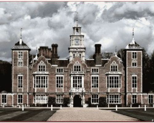 Замок Бликлинг холл
