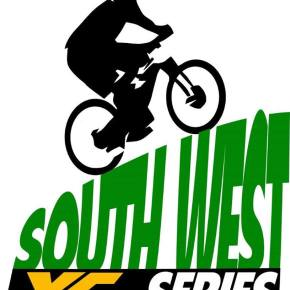 Hooper continues her success in South West XC Series with victory at Newnham Park