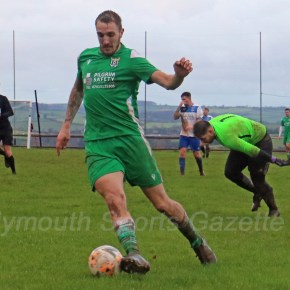 GALLERY: Pictures from Lakeside Athletic v Plymouth Vaults in the Devon Premier Cup