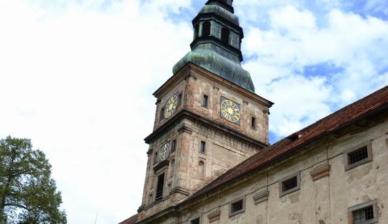 hodinová věž klášter plasy