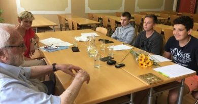 Vzpomínky pamětníků sametové revoluce v Plzni ožívají díky reportážím žáků
