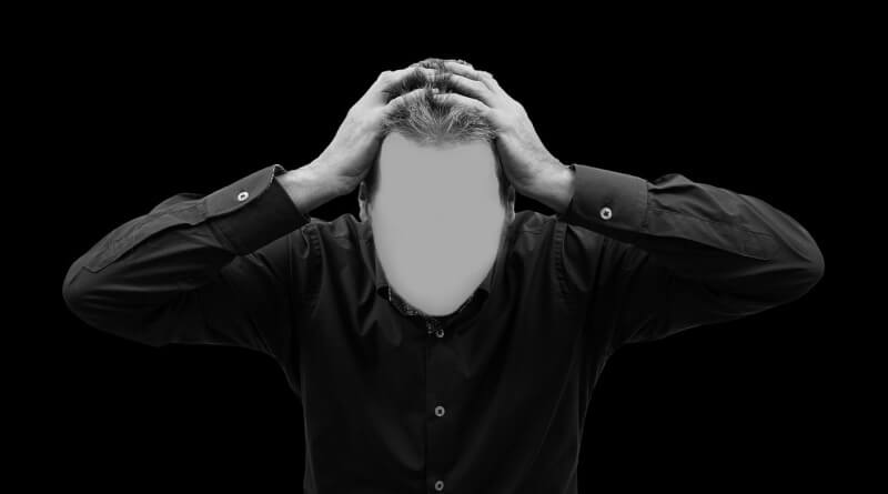 muž bez tváře