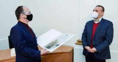 Vědec Jindřich Matoušek získal Cenu města Plzně za projekt, který pomáhá lidem se ztrátou hlasu