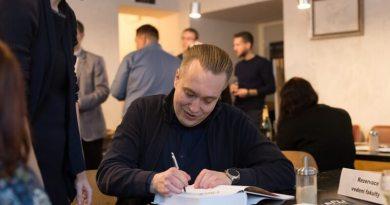 Roman Kodet ze Západočeské univerzity získal za svoji poslední knihu prestižní ocenění