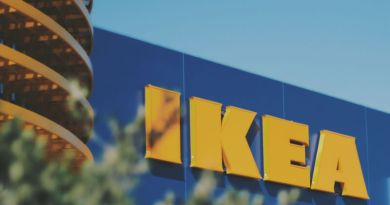Pro výrobky IKEA už nebudete muset na Zličín. Nábytkářský gigant otevírá výdejní místo v Plzni