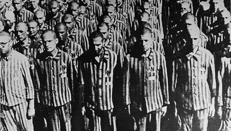 Vězni v Buchenwaldu.