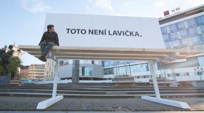 Toto není lavička