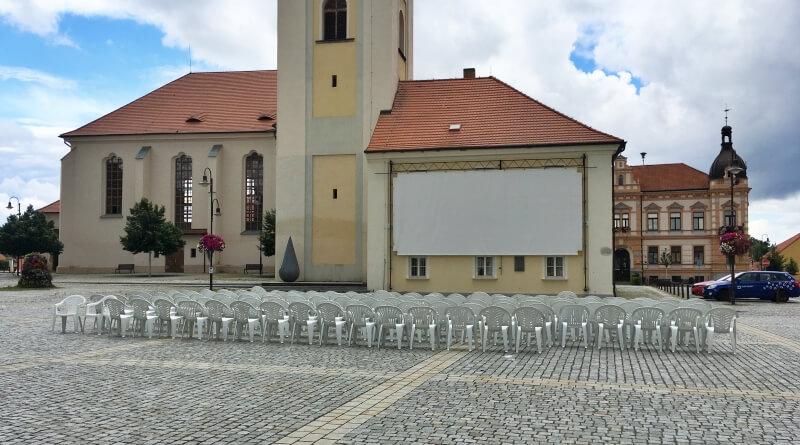 letní kino v Dobřanech