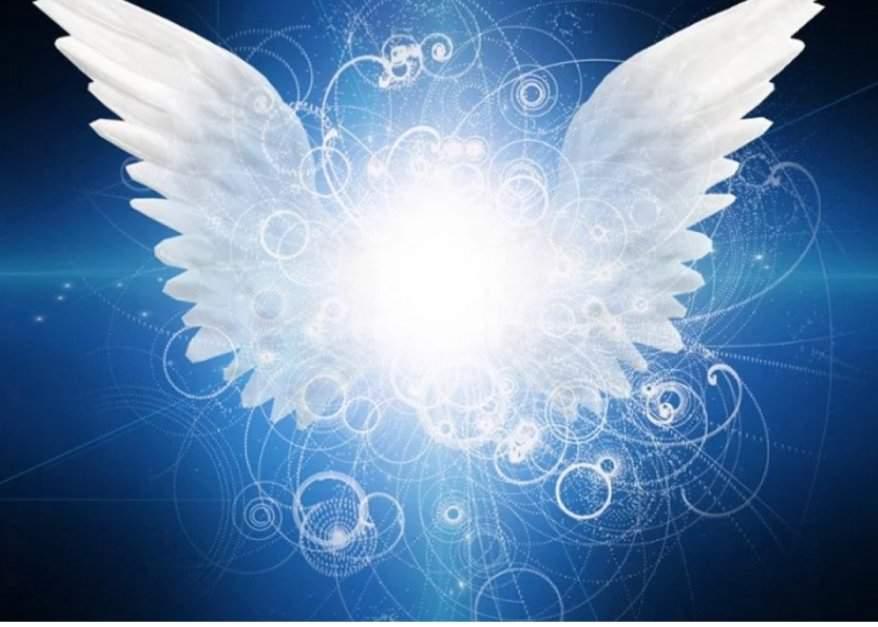 Pendulo con angeles | ⛦☽Mas Alla Del Misterio☾⛧ Amino