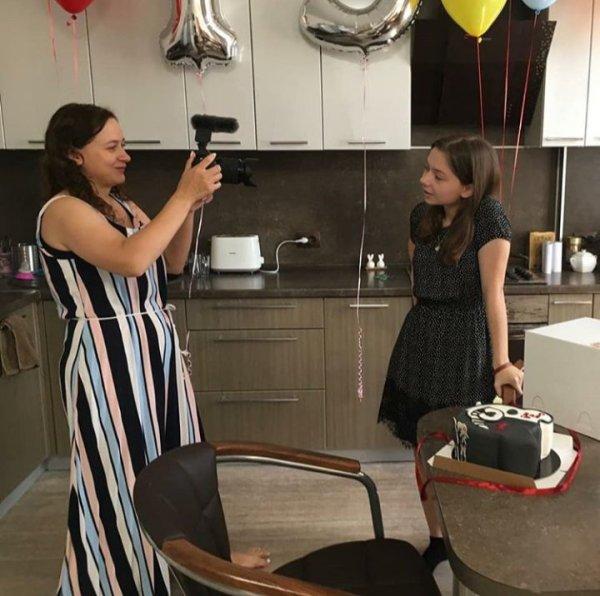 Фото Сони и поздравление   Непета Страшилки Amino