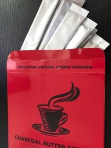 チャコールバターコーヒー箱開けたところ