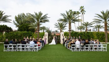 Wedding ceremony at The Scottsdale Resort at McCormick Ranch by Arizona wedding photographer PMA Photography.
