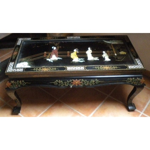 Table Basse Chinoise Ancienne Laque Incrust Et Vitre