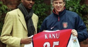 Arsene Wenger, right, with Kanu Nwankwo...