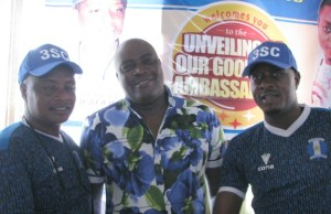 L-R: Olayinka Agboola, 3SC's General Manager, Mr Rasheed Balogun and Apesin Taye Currency...at the event...