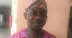 Professor Abideen Aderinto...the DVC...after attending to the 'Concerned Parents'...all pictures by Olayinka Agboola...