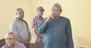 Chief Adebayo Adedibu...delivering his speech at the event...