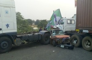 ...the scene of the accident...at Alesinloye Junction, Iyaganku, Ibadan...