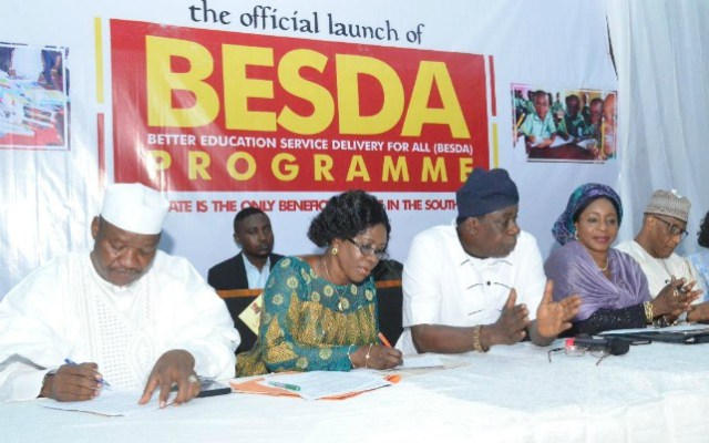 The Oyo State Deputy Governor, Hon. Moses Alake Adeyemo (middle) flanked by the representative of the Minister of Education, Dr Lami Amodu (second right), the National Project Coordinator of Better Education Service Delivery for All (BESDA), Prof. Gidado Tahir (right), the Chairman, Oyo State Universal Basic Education Board, Mrs. Aderonke Makanjuola (second left) and the representative of the Executive Secretary of Universal Basic Education Commission (UBEC), Mallam Wadatau Wadawaki at the official launch of BESDA programme in Ibadan on Thursday