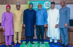 …governors of Western Nigeria…L-R: Mr Gboyega Oyetola of Osun, Babajide Sanwo-Olu of Lagos, Dr Kayode Fayemi of Ekiti, Arakunrin Oluwarotim Akeredolu of Ondo, Mr Dapo Abiodun of Ogun and Engr Seyi Makinde of Oyo…all ready to jaw-jaw on security issues…