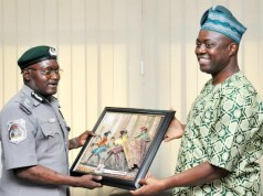 Oyo State Governor, Engr Seyi Makinde (right) presenting a frame to Comptroller Abdullahi Zulkifli during the visit…