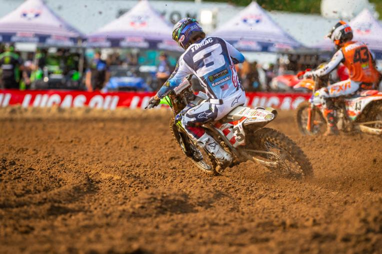 Eli Tomac is back on form and used a second moto win for second overall (4-1).