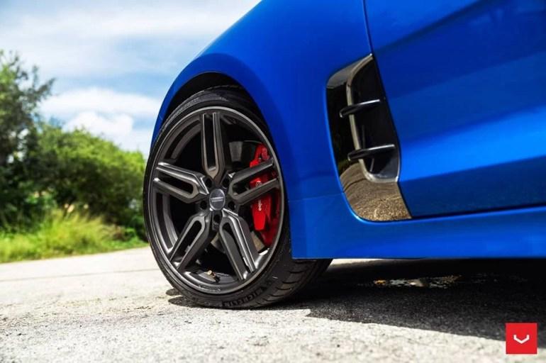 kia-stinger-rides-on-19-inch-vossen-hybrid-forged-wheels_9