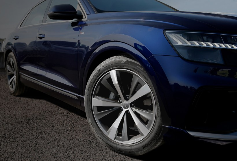 20190912_Hankook_as_original_equipment_on_Audi_s_Q8_model_series_02.jpg