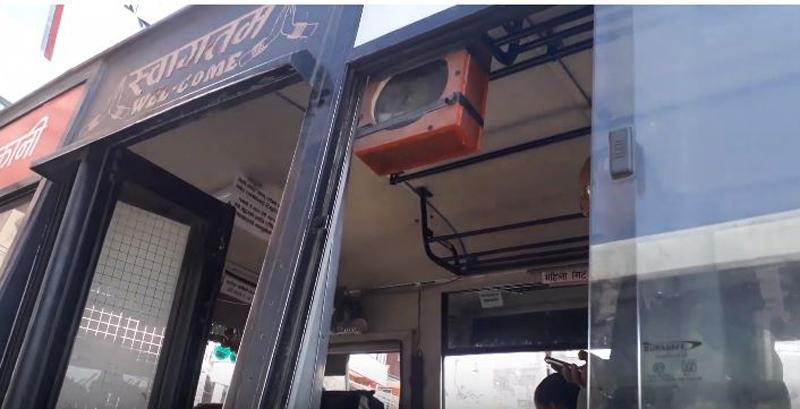 भक्तपुरमा अनौठोको सार्वजनिक बस (भिडियो सहित)