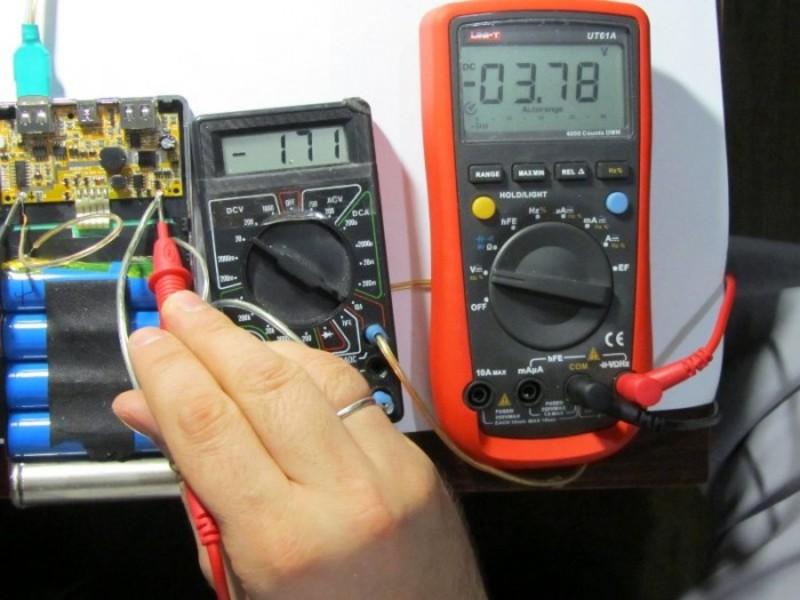 Έλεγχος των μπαταριών Multimeter