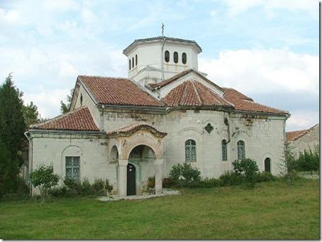 800px-Arapovski_monastery_the_church
