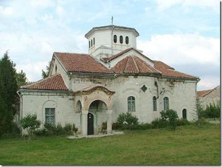 800px-Arapovski_monastery_the_church